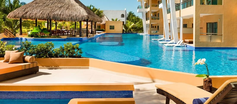Free Destination Weddings at El Dorado Seaside Suites